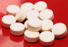 Weiße Pillen Lizenzfreie Stockbilder