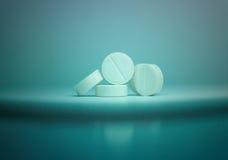 Weiße Pillenmedizin Stockfotografie