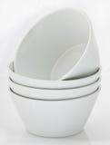 Weiße Porzellanschüsseln Stockfotos