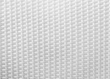 Weiße Rückenlehne geflochtener Stuhl Stockfotos