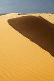 Weiße Sanddünen in Mui Ne, Vietnam Stockbild