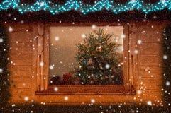 Weiße Schneeflocken auf einem blauen Hintergrund Abstraktes Hintergrundmuster der weißen Sterne auf dunkelroter Auslegung Rasterv Stockfoto