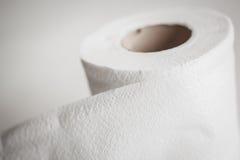 Weiße Seidenpapier-Rolle mit Sepia backgound Lizenzfreies Stockbild
