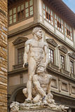 Weiße Skulpturstatue von Herkules und von Cacus, durch Baccio Bandinel Stockfotos