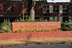 Weiße Stations-Highschool, Tennessee Stockbild