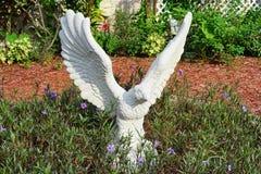 Weiße Statue des Adlers Lizenzfreies Stockfoto