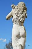 Weiße Statue des Mädchens Lizenzfreie Stockfotografie