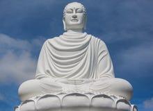Weiße Statue des Riesen Buddha, Vietnam Stockbilder