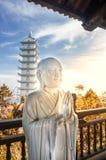 Weiße Statue von Buddha Lizenzfreies Stockfoto