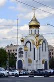 Weiße Steinkirche von Russland Stockfotos