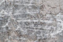 Weiße Streifen der Farbe auf Beton Stockbilder