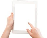 Weiße Tablette mit einem leeren Bildschirm in den Händen der Frau Lizenzfreie Stockfotografie