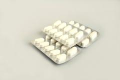 Weiße Tabletten Stockfotos