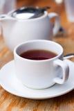 Weiße Tasse Tee Lizenzfreie Stockfotografie