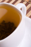 Weiße Tasse Tee Stockfotografie