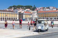 Weiße Taxistände Tuk Tuk in Lissabon Lizenzfreies Stockbild