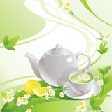 Weiße Teekanne und Schale mit grünem Tee lizenzfreie abbildung