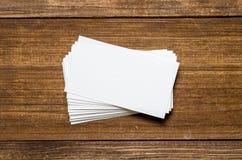 Weiße unbelegte Visitenkarte lizenzfreies stockbild