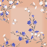 Weiße und blaue Blumen des nahtlosen Musteraquarells auf einem rosa Hintergrund Stockfoto