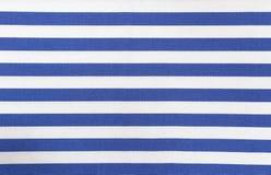 Weiße und blaue gestreifte Gewebebeschaffenheit Lizenzfreie Stockfotografie