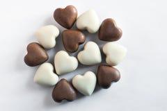 Weiße und braune Schokoladen lizenzfreie stockfotos