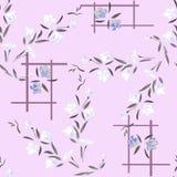 Weiße und graue Blumen des nahtlosen Musters des Aquarells auf einem lila Hintergrund Lizenzfreies Stockfoto