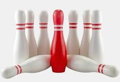 Weiße und rote Bowlingspielstifte vom weißen Hintergrund Lizenzfreies Stockfoto