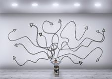 Weiße Wand der chaotischen Pfeile lizenzfreie stockfotografie