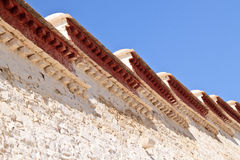 Weiße Wand des Potala Palastes in Lhasa, Tibet Stockbild