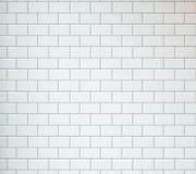 Weiße Weinlese deckt Hintergrund mit Ziegeln Lizenzfreie Stockbilder