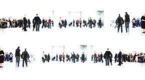 Weißer Auszug. Leute in der Halle Lizenzfreie Stockfotos
