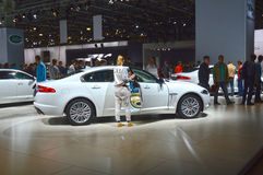 Weißer Automobil-Salon-Luxus Juguar Moskau internationaler Stockfotos
