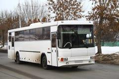 Weißer Bus lizenzfreie stockfotos