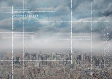 Weißer Code gegen Skyline und Wolken Stockbild