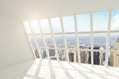Weißer Dachbodeninnenraum mit Sonnenlicht und Stadtansicht Stockfoto