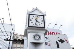 Weißer Glockenturm in ChaingRai, Thailand Lizenzfreie Stockfotos
