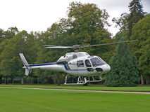 Weißer Hubschrauber Lizenzfreies Stockbild