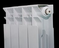 Weißer Kühler auf schwarzem Hintergrund Lizenzfreie Stockbilder