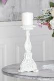 Weißer Kerzenhalter stockbilder