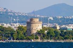 Weißer Kontrollturm in Saloniki lizenzfreies stockfoto