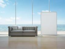 Weißer Kunstrahmen im Seeansichtinnenraum des modernen Hauses Stockbild