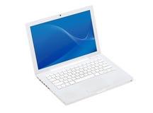 Weißer Laptop mit Tapete des blauen Bildschirms. Getrennt. Stockfotos