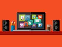 Weißer Laptop, Tabelle, Stuhl 3d Flaches Design Lizenzfreie Stockfotografie