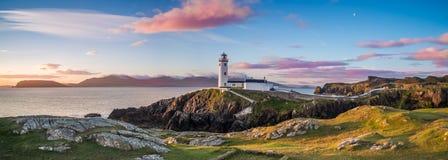 Weißer Leuchtturm, Fanad-Kopf, Donegal, Irland stockfotografie
