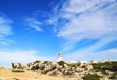 Weißer Mittelmeerleuchtturm Lizenzfreies Stockfoto