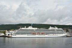 Weißer Passagier im Hafen von Molde, Norwegen Stockbilder
