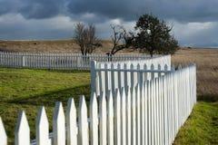 Weißer Pfosten-Zaun Stockbilder