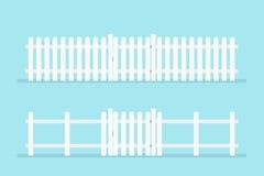 Weißer Pfostenzaun mit Gatter Lizenzfreie Stockbilder