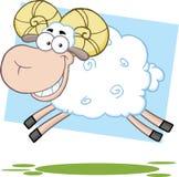 Weißer Ram Sheep Cartoon Character Jumping Lizenzfreies Stockbild