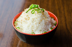 Weißer Reis mit Samen des indischen Sesams Stockbilder